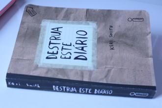 Livro: Destrua este Diário de Keri Smith