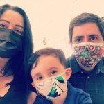 Máscaras descartáveis estilosas conquistam artistas e influenciadores nas redes sociais